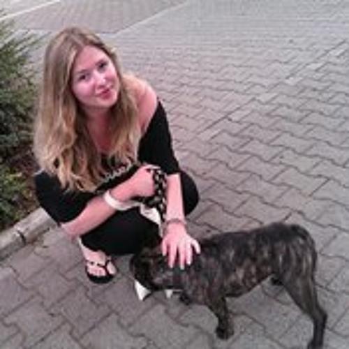 Julia Viner's avatar