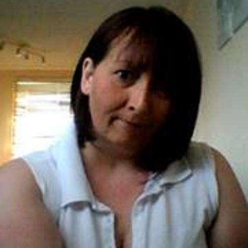 Lisa Gunn 3's avatar
