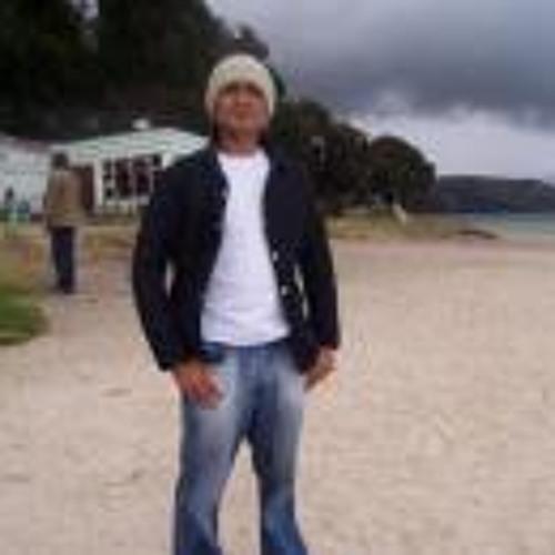 Julian Perez 35's avatar