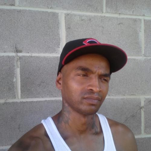 uptown12's avatar