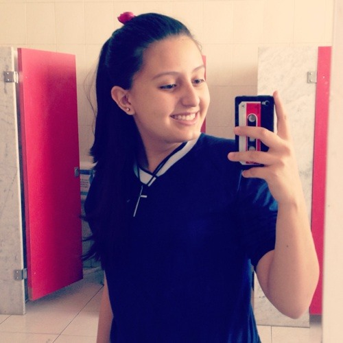 Thayenne Pires's avatar