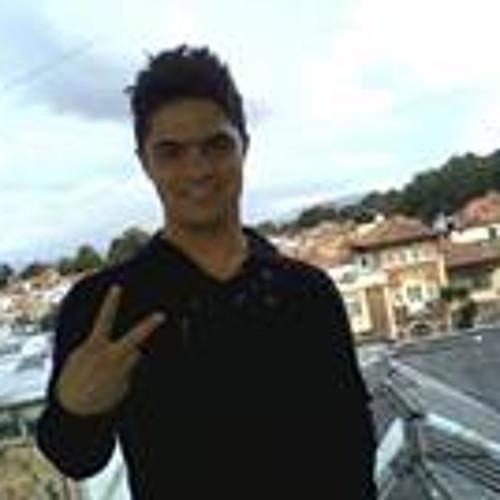 Rikrdo Grove's avatar