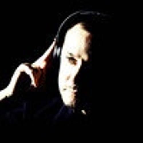 Daniel Pé's avatar