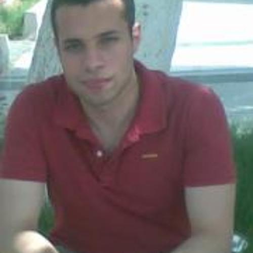 Walid Tharwat's avatar