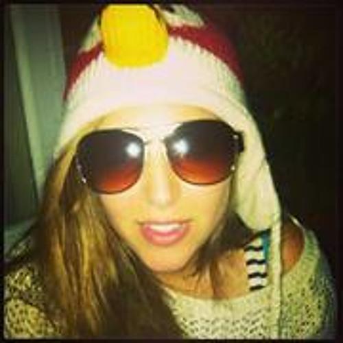 Emily Yoram's avatar