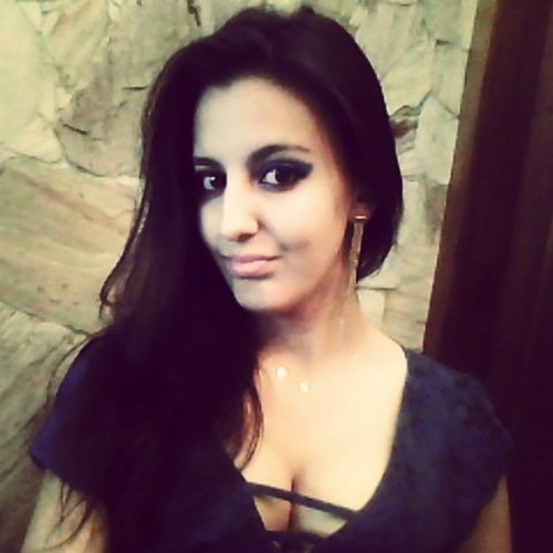 Camila Pinheiro 9's avatar