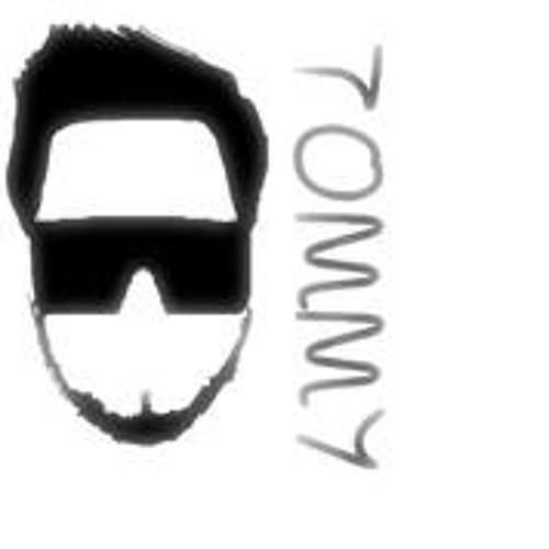 Tommy Lopez 10's avatar