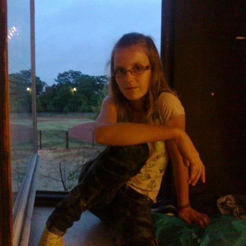 Barbi :))'s avatar