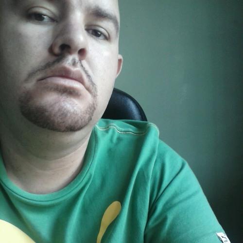 luis2209's avatar