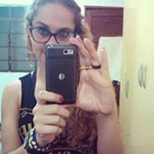 Priscila CFaveri's avatar