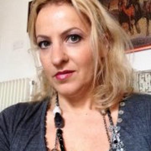 Tina Barro's avatar