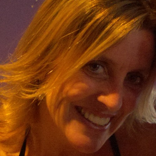 Leah Stoker's avatar