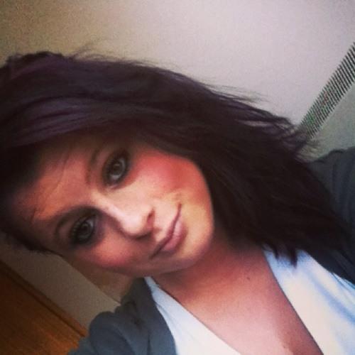 Emily Eganlee's avatar