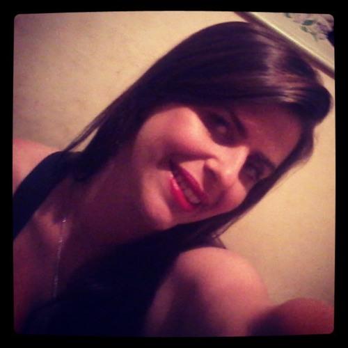 Camilinha Piva's avatar