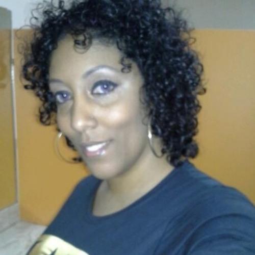 Monique Encarnacion's avatar