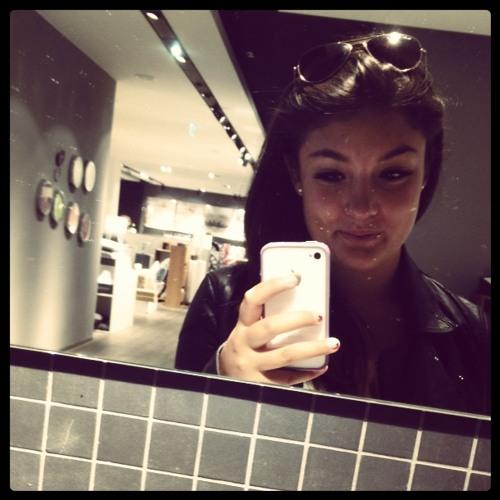 Celine!'s avatar