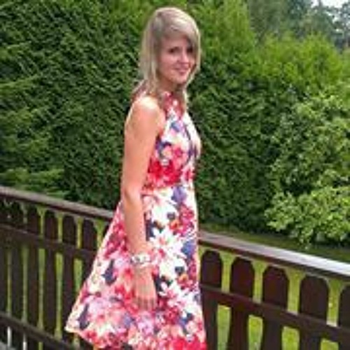 Julia Linnenweber's avatar