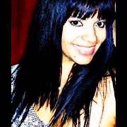 Yaz Marie's avatar