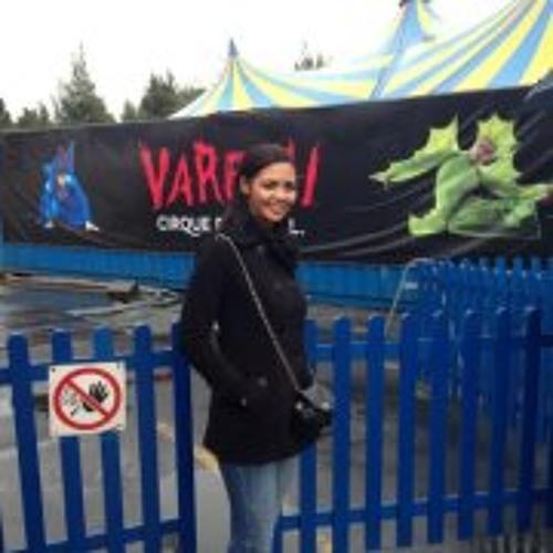Maria Claudia 18's avatar
