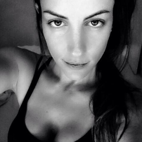 Fernanda Santiago's avatar