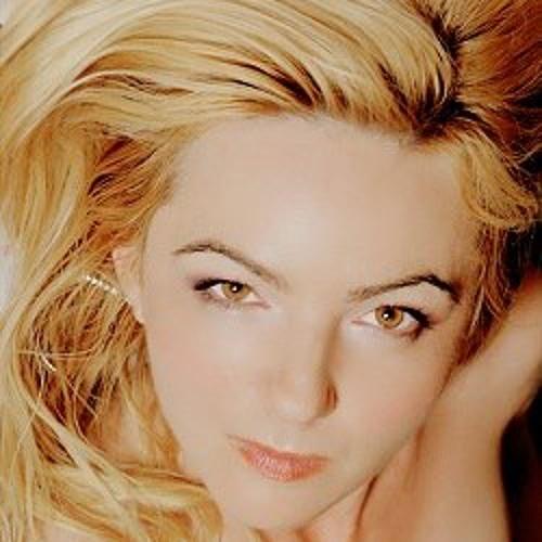 LillyAnn's avatar