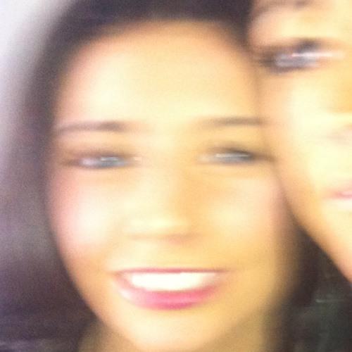 lisa yer's avatar