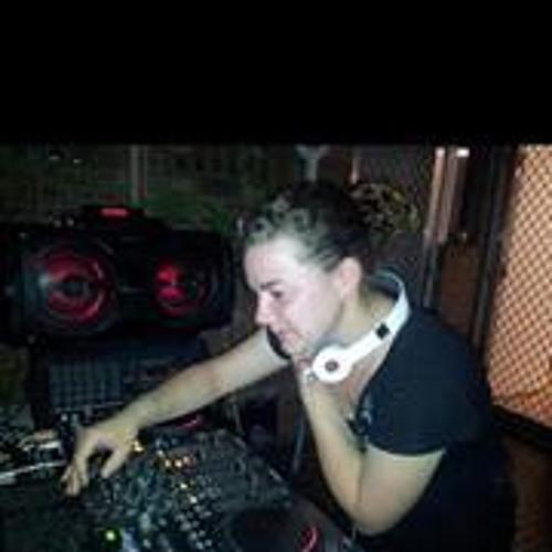Kiara Cutmore 1's avatar