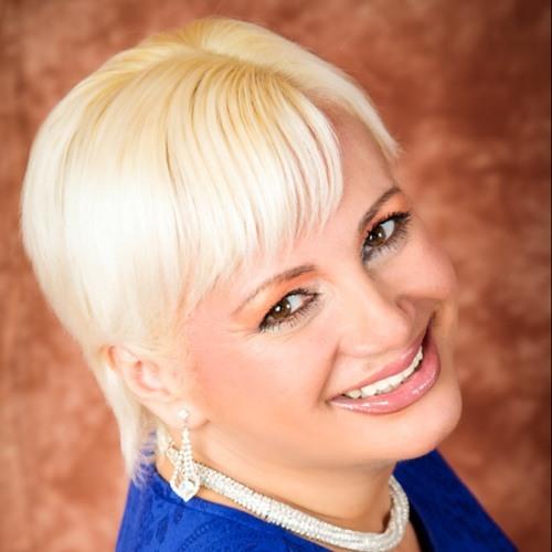 Eva Sim's avatar