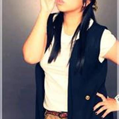 Juliet Carolina Poli's avatar