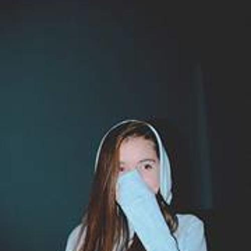 Julia Aurora 1's avatar