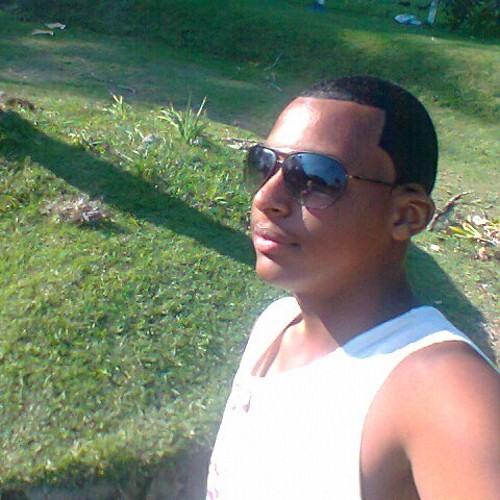 adelson123347's avatar