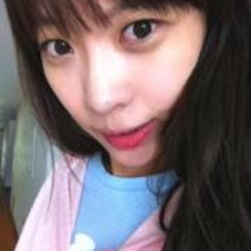 Heesun  Kim's avatar