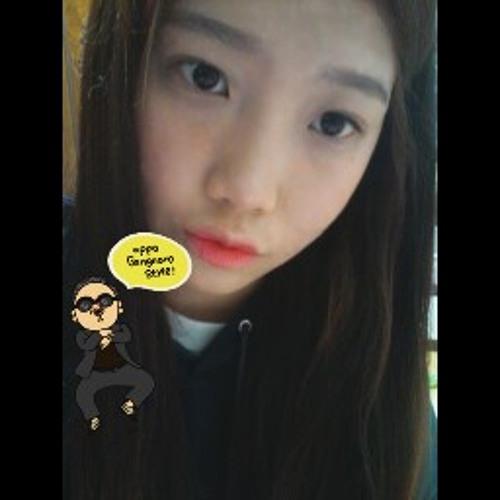 heny1004's avatar