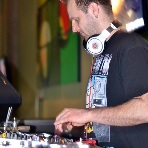 DJ Castiel's avatar
