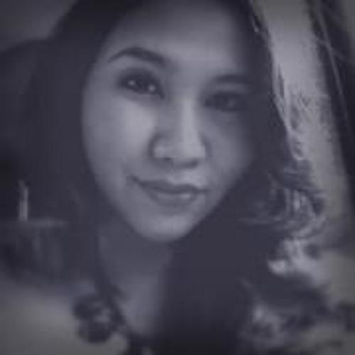 Putri Adiputro Hassan's avatar