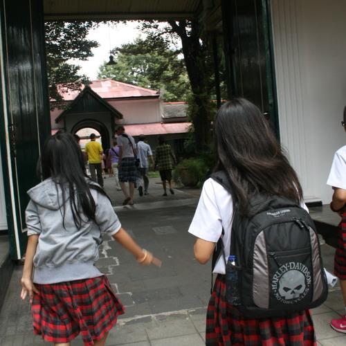 Iseng with Lasma & Asha at SMP Tarakanita 1