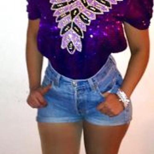 Myriam Giselle's avatar