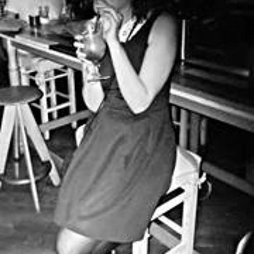 Anya Gwynfryn Evans's avatar
