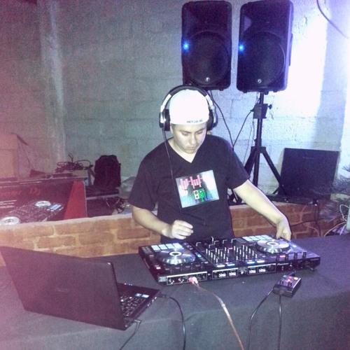 Juan Cordova's avatar