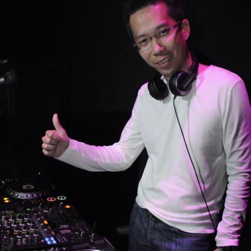 DJ TH30's avatar