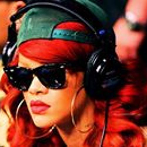 lilian mushi's avatar