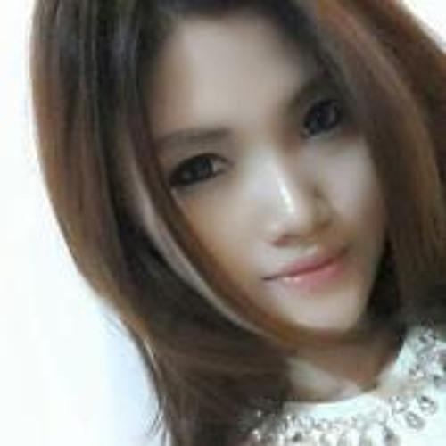 Jesslyn William's avatar