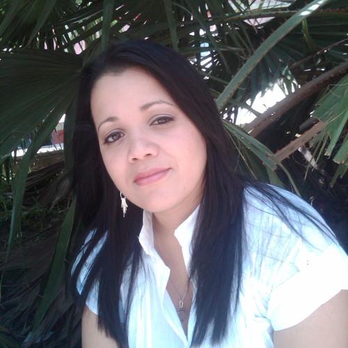 Lisbeth castro's avatar