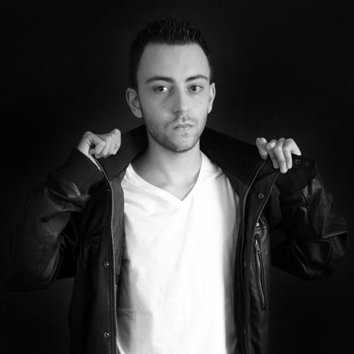 Emilio Romo's avatar