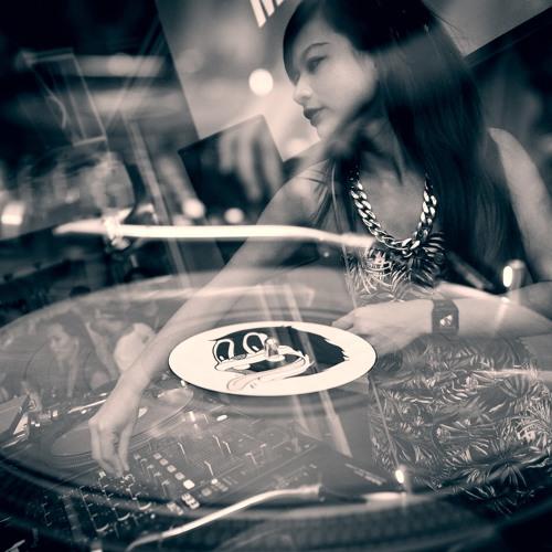 DJ Orawan's avatar