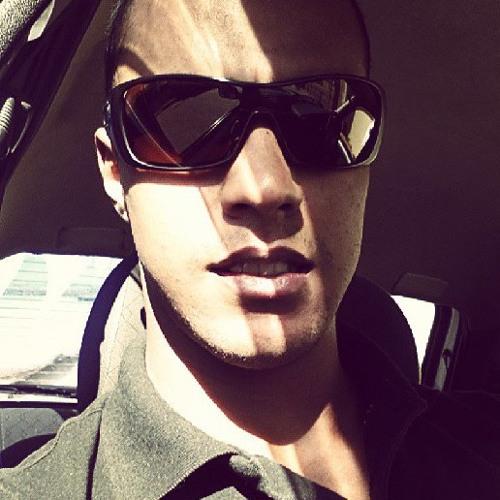 Alex Cruz 77's avatar