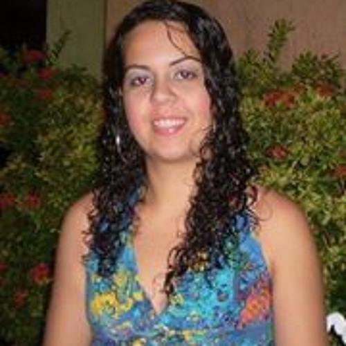 Nayana Peixoto's avatar