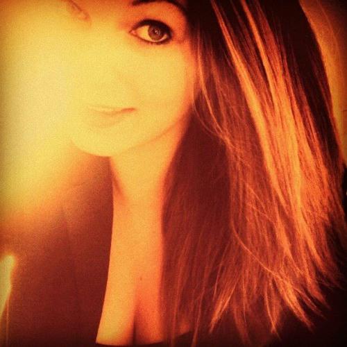 Lisa_Richter's avatar