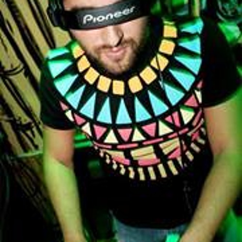 Dani Molokai Vega's avatar