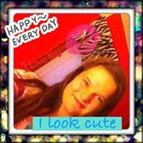 Emma Moore 18's avatar